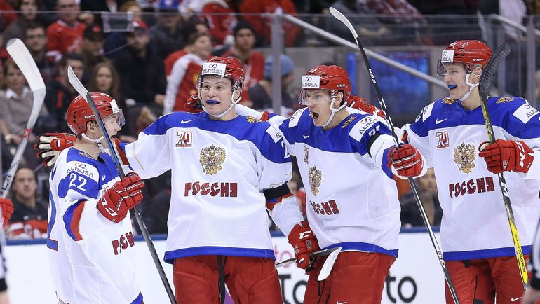 Сегодня. Торонто. Канада - Россия - 5:3. Россияне празднуют гол. Фото Reuters