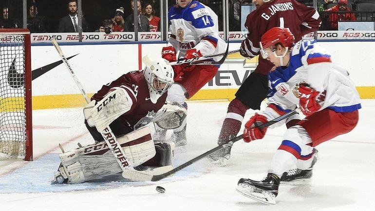 Сегодня. Торонто. Латвия - Россия - 1:9. Россияне отправили в ворота латвийцев девять шайб. Фото twitter.com/IIHFHockey