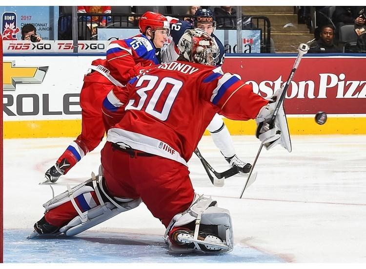 Сегодня. Торонто. Россия - Словакия - 2:0. Голкипер россиян Илья САМСОНОВ. Фото Пресс-служба ИИХФ