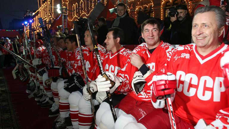 Александр ЯКУШЕВ (крайний справа). Фото Александр ФЕДОРОВ, «СЭ»