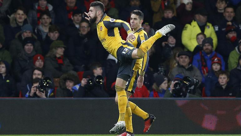 """Вчера. Борнмут. """"Борнмут"""" - """"Арсенал"""" - 3:3. Оливье ЖИРУ празднует забитый гол."""