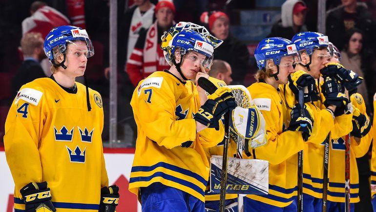 Четверг. Монреаль. Швеция - Россия - 1:2 ОТ. Игроки сборной Швеции после поражения в бронзовом матче. Фото AFP