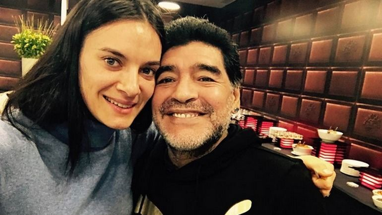 Елена ИСИНБАЕВА и Диего МАРАДОНА. Фото instagram.com/isinbaevayelena/