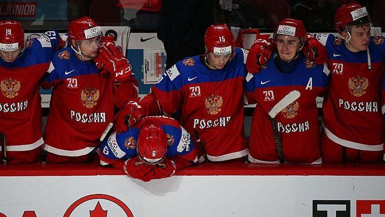 Сергей ЗБОРОВСКИЙ (№6) - в центре. Фото ФХР