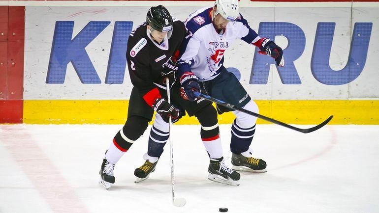 """Сегодня. Челябинск. """"Трактор"""" - """"Торпедо"""" - 2:3 Б. Челябинские хоккеисты проведут семь ретроматчей. Фото ХК """"Трактор""""."""