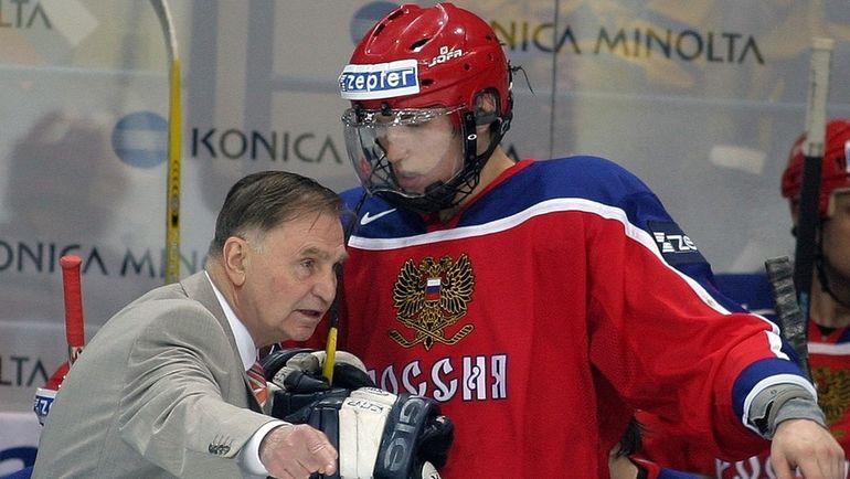 Виктор ТИХОНОВ и Александр ОВЕЧКИН. Фото photo.khl.ru