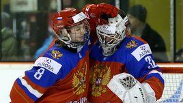 Игроки женской молодежной сборной России Светлана БОБРОВА (№8) и Валерия МЕРКУШИНА.