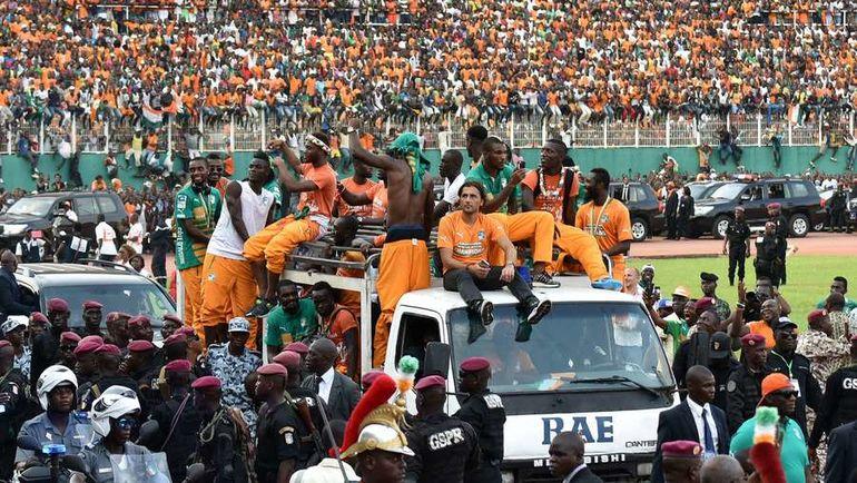 9 февраля 2015 года. Абиджан. Сборная Кот-д'Ивуара празднует победу в Кубке Африки после возращения на родину. Фото AFP