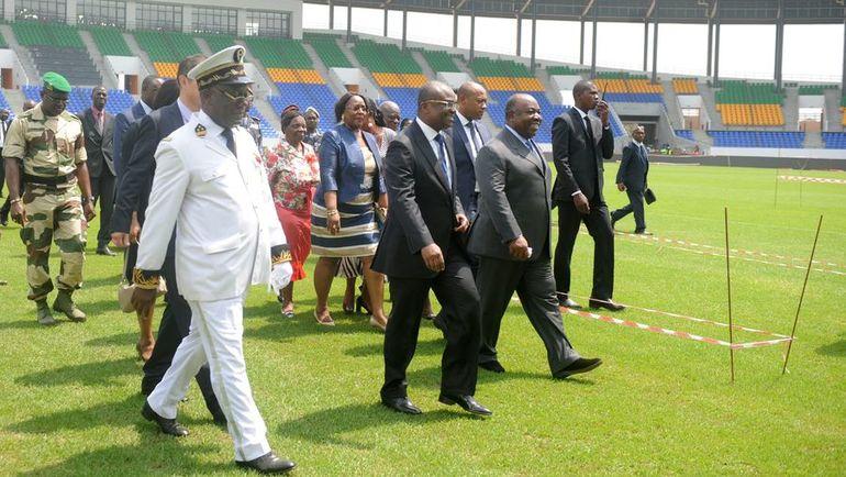 9 января. Оем. Али БОНГО (второй справа) принимает один из четырех стадионов Кубка Африки-2017. Фото AFP