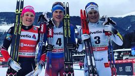 Суббота. Тоблах. Наталья МАТВЕЕВА (в центре) - лыжная королева уик-энда.