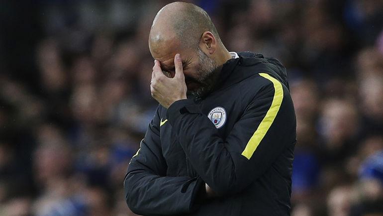 """Воскресенье. Ливерпуль. """"Эвертон"""" - """"Манчестер Сити"""" - 4:0. В Англии у Хосепа ГВАРДЬОЛЫ все пока складывается далеко не идеально. Фото REUTERS"""