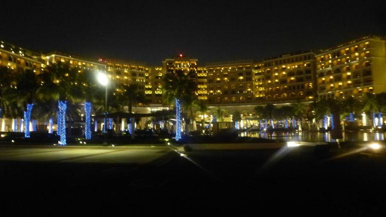 """Лучший вид на отель - со стороны залива. Фото """"СЭ"""""""