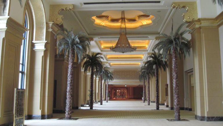 "Холл Emirates Palace. Фото ""СЭ"""