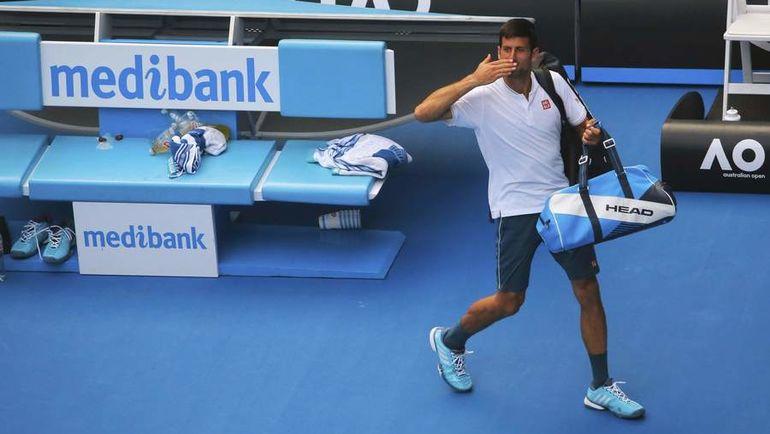 Четверг. Мельбурн. Новак ДЖОКОВИЧ покидает Australian Open. Фото REUTERS