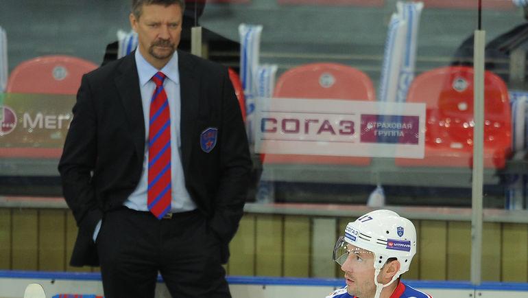 Илья КОВАЛЬУК (справа) и Юкка ЯЛОНЕН в СКА. Фото Алексей ИВАНОВ, «СЭ»