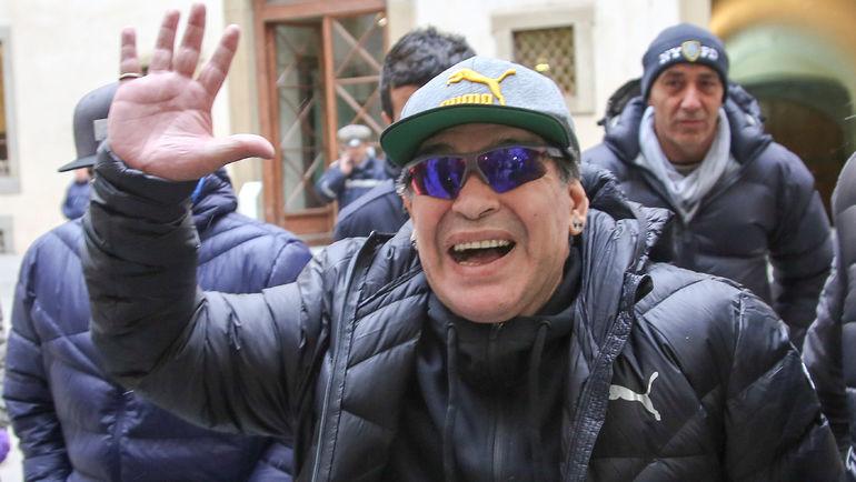 """Диего МАРАДОНА пожаловал в Италию перед матчем """"Наполи"""" с """"Миланом"""". Фото REUTERS"""