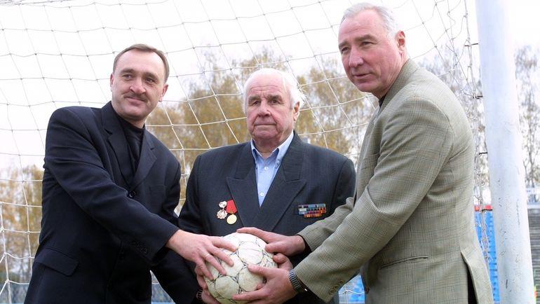 2001 год. Виктор (слева), Виктор Гаврилович и Вячеслав ЧАНОВЫ. Фото Григорий ФИЛИППОВ