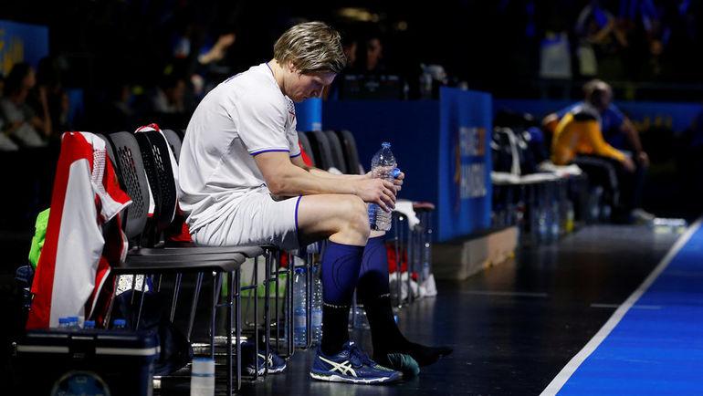 Павел АТЬМАН (№11) из-за травмы не смог помочь сборной России в матче со Словенией. Фото REUTERS
