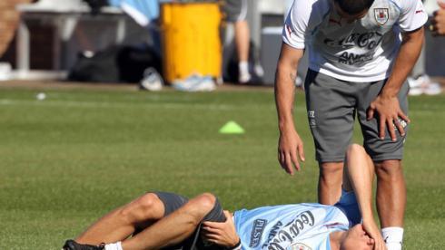 Нападающий сборной Уругвая Диего ФОРЛАН на тренировке в Кимберли. Фото REUTERS Фото Reuters