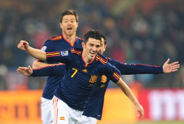 Пятница. Претория. Чили - Испания - 1:2. Только что Давид ВИЛЬЯ (№7) открыл счет в матче. Фото AFP Фото AFP
