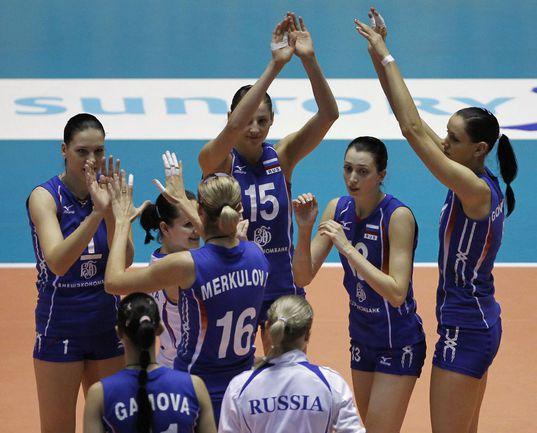 Сегодня. Токио. РОССИЯ - Перу - 3:0. Россиянки празднуют победу. Фото REUTERS Фото Reuters