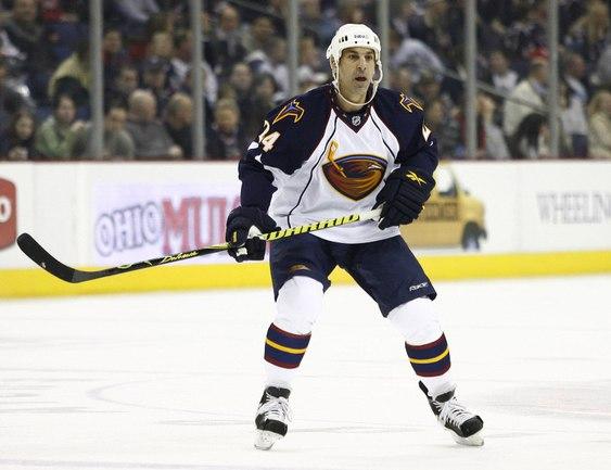 "11 марта 2010 года. Один из последних матчей защитника ""Атланты"" Криса ЧЕЛИОСА в НХЛ. Фото REUTERS Фото Reuters"