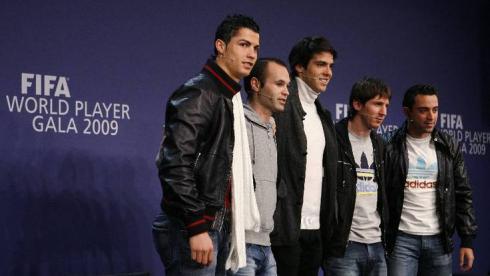 """21 декабря 2009 года. Вручение """"Золотого мяча"""" и объявление команды года ФИФА. Фото Reuters"""
