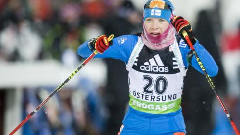 Кайса МЯКЯРЯЙНЕН сделала золотой дубль в Эстерсунде, выиграв спринт и гонку преследования. Фото AFP Фото AFP