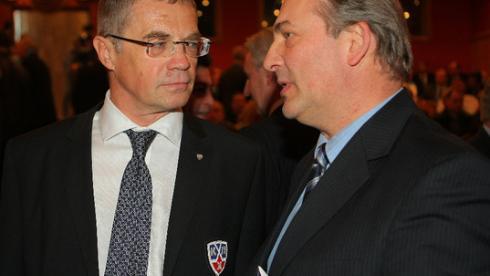 Президент ФХР Владислав ТРЕТЬЯК (справа) и президент КХЛ Александр МЕДВЕДЕВ. Фото КХЛ Фото «СЭ»