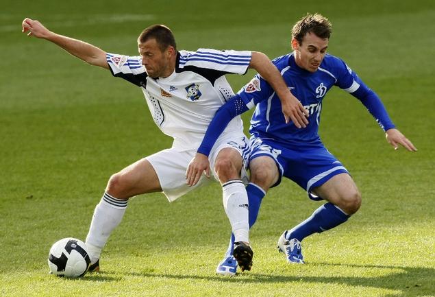 Теперь Андрей КАРЯКА (слева) и Люк УИЛКШИР будут выступать в одном клубе. Фото Александра ВИЛЬФА Фото «СЭ»
