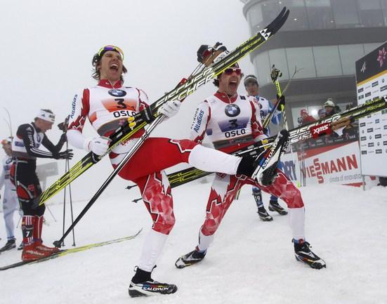 Сегодня. Холменколлен. Чемпионат мира. Канадцы празднуют победу в командном спринте. Фото AFP. Фото AFP