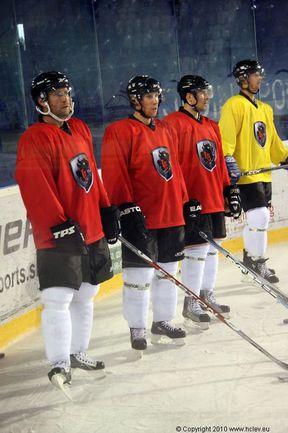 """Игроки ХК """"Лев"""". Фото - официальный сайт клуба Фото «СЭ»"""