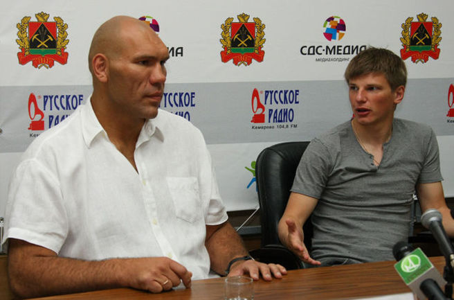 """Сегодня. Кемерово. Николай ВАЛУЕВ и Андрей АРШАВИН. Фото """"СЭ"""""""