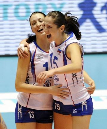 Игроки сборной России Евгения СТАРЦЕВА (слева) и Татьяна КОШЕЛЕВА. Фото AFP Фото AFP
