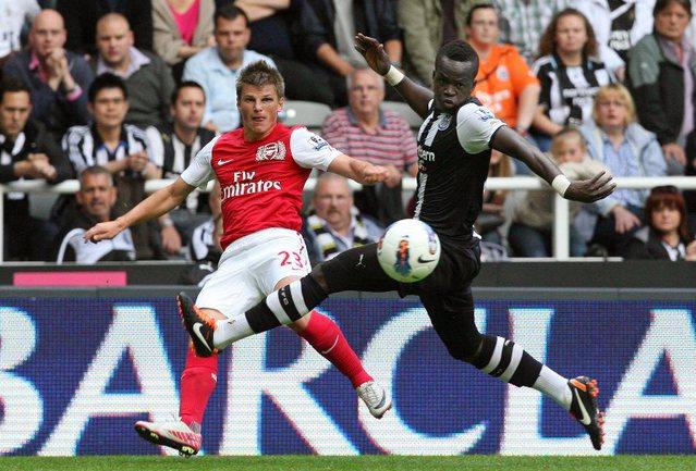 """Суббота. Ньюкасл. """"Ньюкасл"""" - """"Арсенал"""" - 0:0. В игре Андрей АРШАВИН (слева). Фото AFP"""