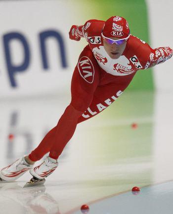 Сегодня. Челябинск. Иван СКОБРЕВ на дистанции 1500 метров. Фото REUTERS Фото Reuters