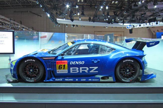 """Раньше марка """"Субару"""" была представлена в Super GT менее спортивной моделью Legacy Фото """"СЭ"""""""