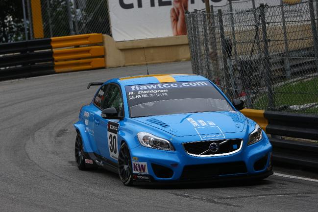 """Ни разу не поднявшись в гонках выше 4-го места, по итогам прошлого года Роберт Дальгрен на Volvo C30 занял 11-ю позицию в общем зачете Фото """"СЭ"""""""