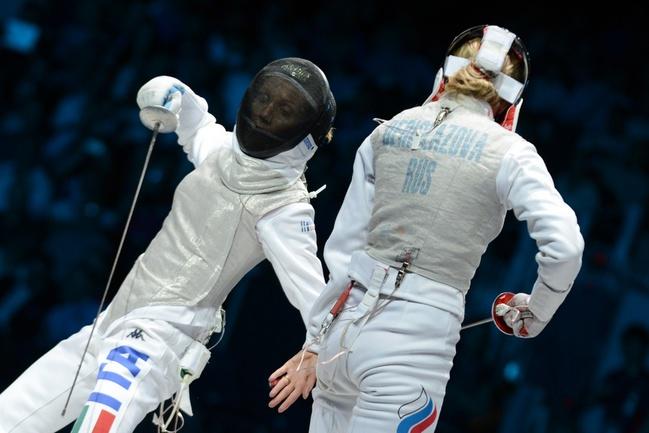 Сегодня. Лондон. Инна ДЕРИГЛАЗОВА (справа) против Валентины ВЕЦЦАЛИ. Фото AFP Фото AFP