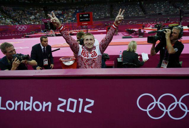 Сегодня. Лондон. Денис АБЛЯЗИН празднует серебро Игр. Фото REUTERS Фото REUTERS