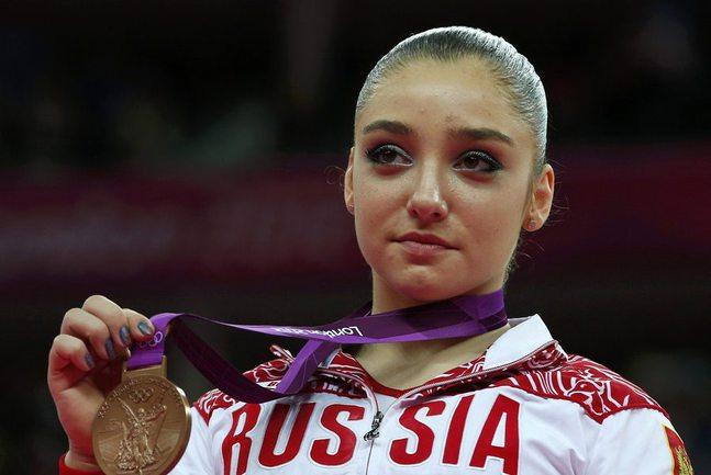 Сегодня. Лондон. Алия МУСТАФИНА с бронзовой медалью. Фото REUTERS Фото Reuters
