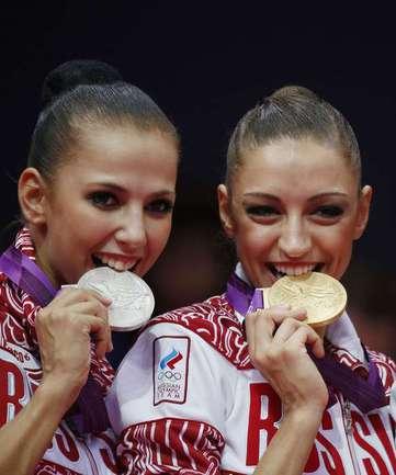 Сегодня. Лондон. Евгения КАНАЕВА (справа) и Дарья ДМИТРИЕВА - золото и серебро Олимпиады-2012! Фото AFP