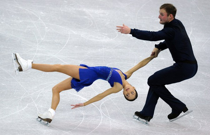 Вера БАЗАРОВА и Юрий ЛАРИОНОВ. Фото AFP Фото AFP