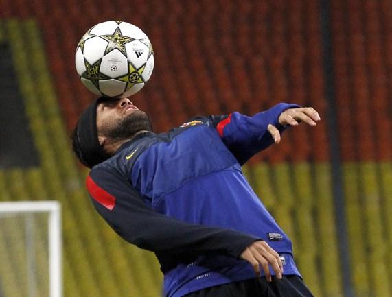 """Защитник """"Барселоны"""" Дани АЛВЕС. Фото REUTERS Фото Reuters"""