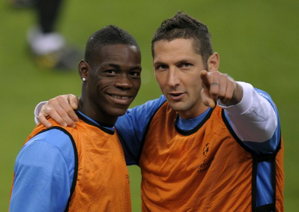 """Форвард """"Манчестер Сити"""" Марио Балотелли (слева) стал бы удачным приобретением для """"Милана"""" по мнению Марко МАТЕРАЦИИ. Фото AFP Фото AFP"""