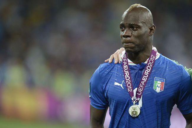 Нападающий сборной Италии Марио БАЛОТЕЛЛИ. Фото AFP Фото AFP