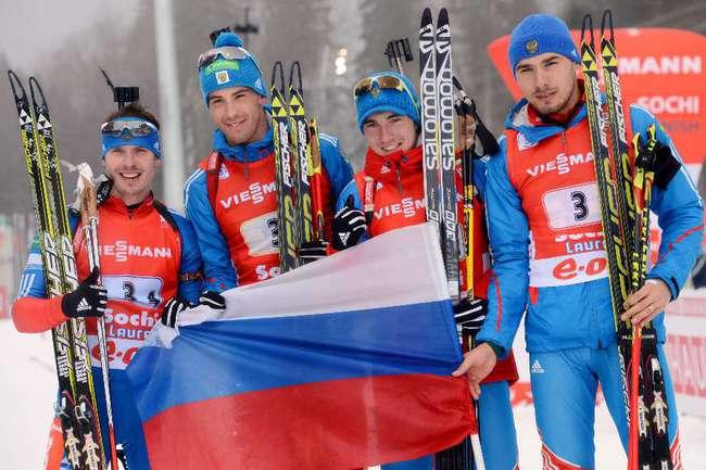 Российская биатлонная мужская сборная - победитель Кубка наций по итогам сезона-2012/13. Фото AFP Фото AFP