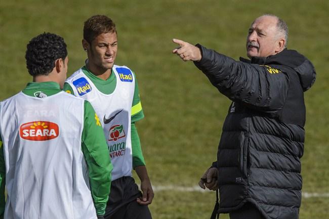 Главный тренер сборной Бразилии Луис Фелипе СКОЛАРИ. Фото AFP Фото AFP