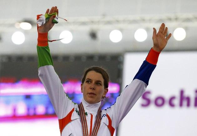 Сегодня. Сочи. Победительница чемпионата мира на дистанции 3000 метров - голландка Ирен ВЮСТ. Фото REUTERS Фото Reuters