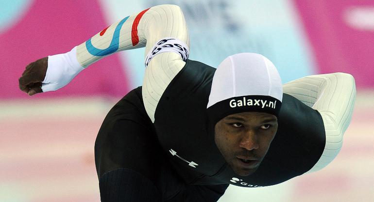 Сегодня. Сочи. Американец Шани ДЭВИС, занявший второе место на дистанции 1500 метров. Фото AFP Фото AFP